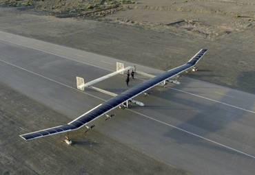 Представлен беспилотник на солнечных батареях, способный летать несколько месяцев