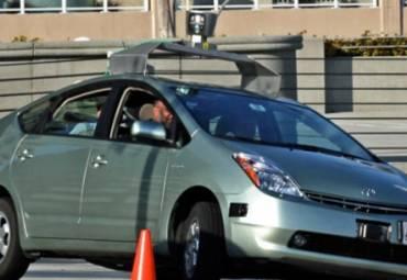 Слухи: Google разрабатывает собственные беспилотные автомобили